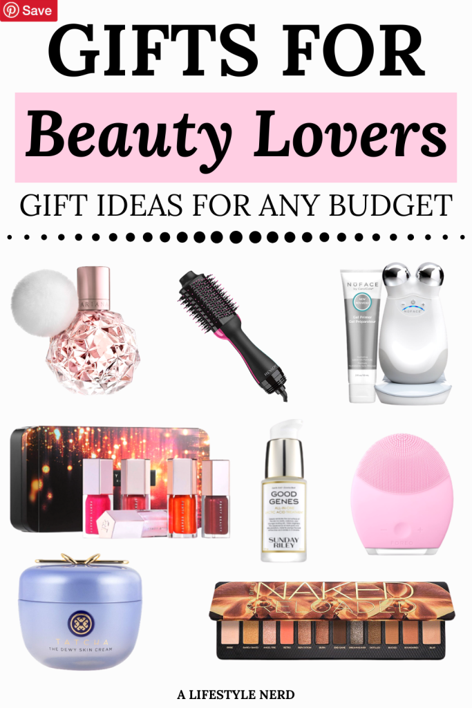 21 best beauty gifts for every budget - makeup, skincare and haircare gift guide. 20+ Gift Ideas for the Makeup Junkie in Your Life. Affordable and luxury gift guide for the beauty lover in your life! What to gift someone who loves makeup. What to get a girl who loves makeup. Awesome makeup and skincare gifts for a friend, mom or teacher.