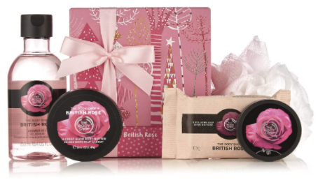 The Body Shop British Rose Festive Picks Small Gift Set. Best gift sets for beauty lovers. Best beauty gift sets to buy for her. Best body-care and skincare gift sets for 2020. Top Christmas and birthday gifts for beauty lovers